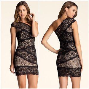 BEBE lace dress. US size Large